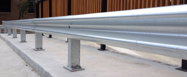 rigid posts fork lift protection