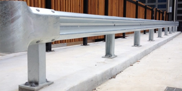 single rail rigid posts warehouse barriers
