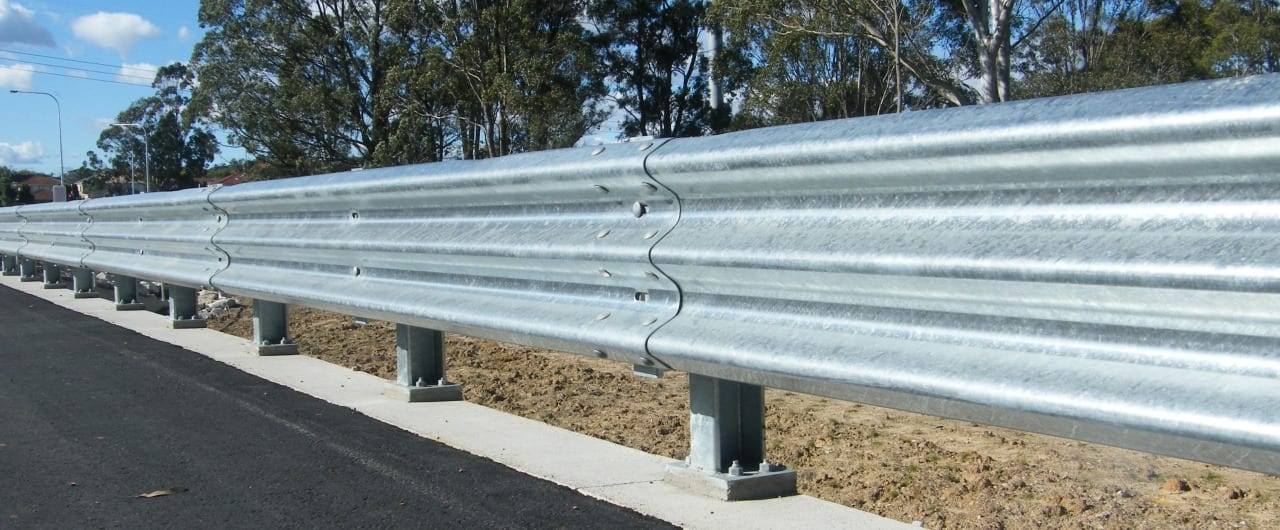 thrie beam guardrail system