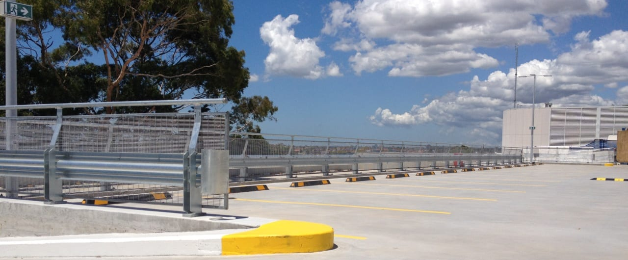 100m rhino stop type 4 installation at coles toroonga carpark