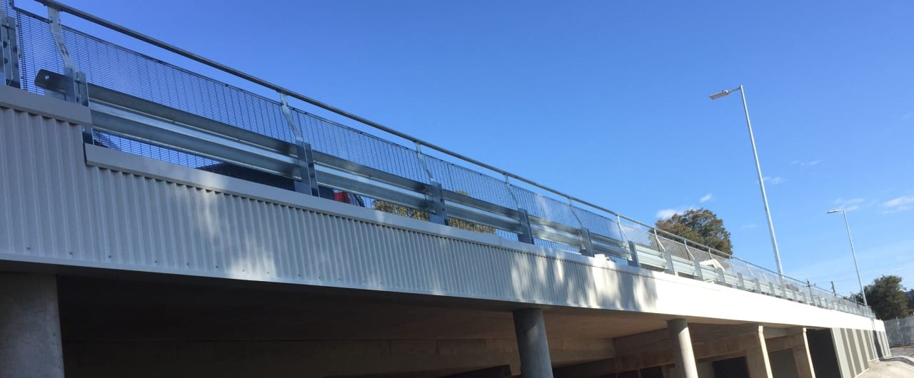 rhino stop perimeter edge protection for the elevated carpark at endeavour energy