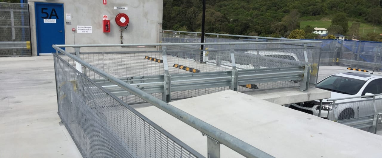 rhino stop type 4 safety split level protection installed at lismore hospital carpark