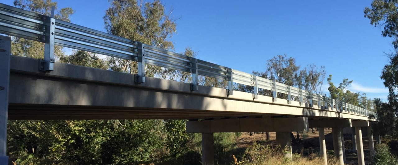 narrabri bridge crash fall protection with thrie beam guardrail