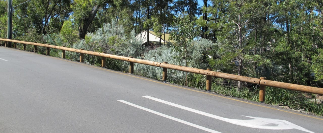 t18 log rail installation at queensland roads