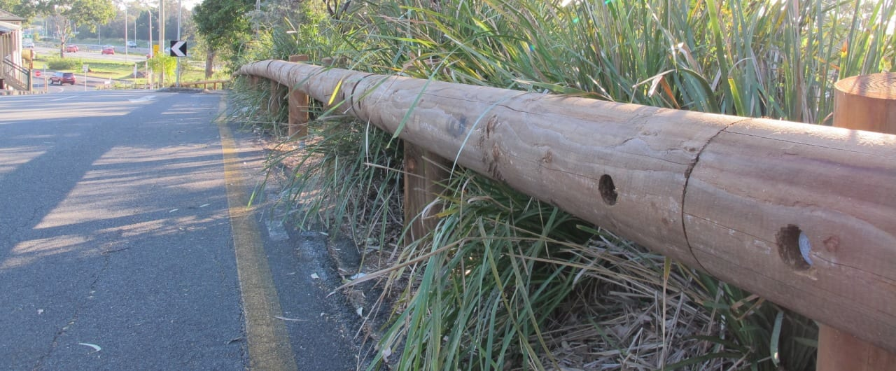 queensland road crash safety barrier with t18 log rail