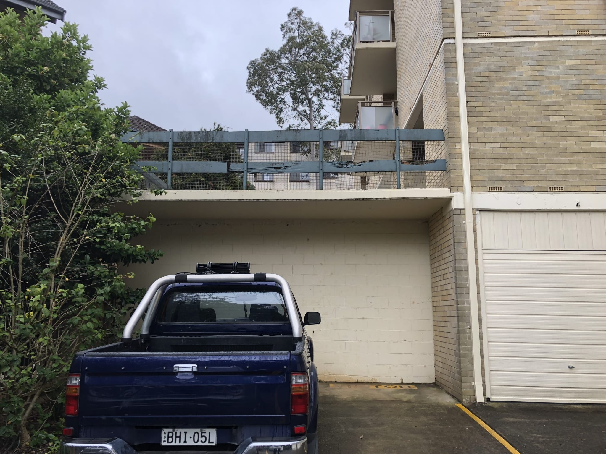 unsafe car park barrier at artarmon apartment complex