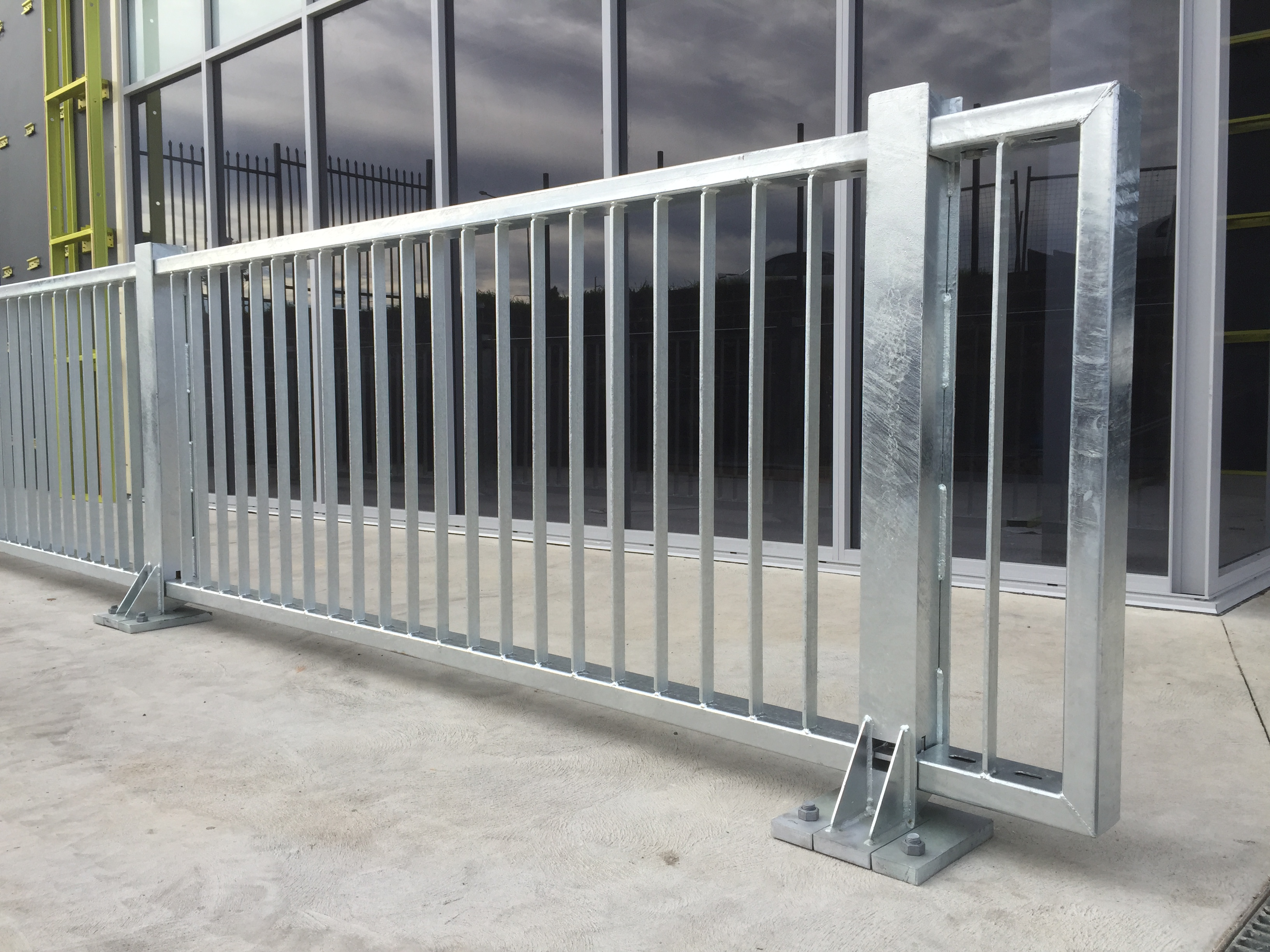 warehouse perimeter safety barrier with rhino stop elite