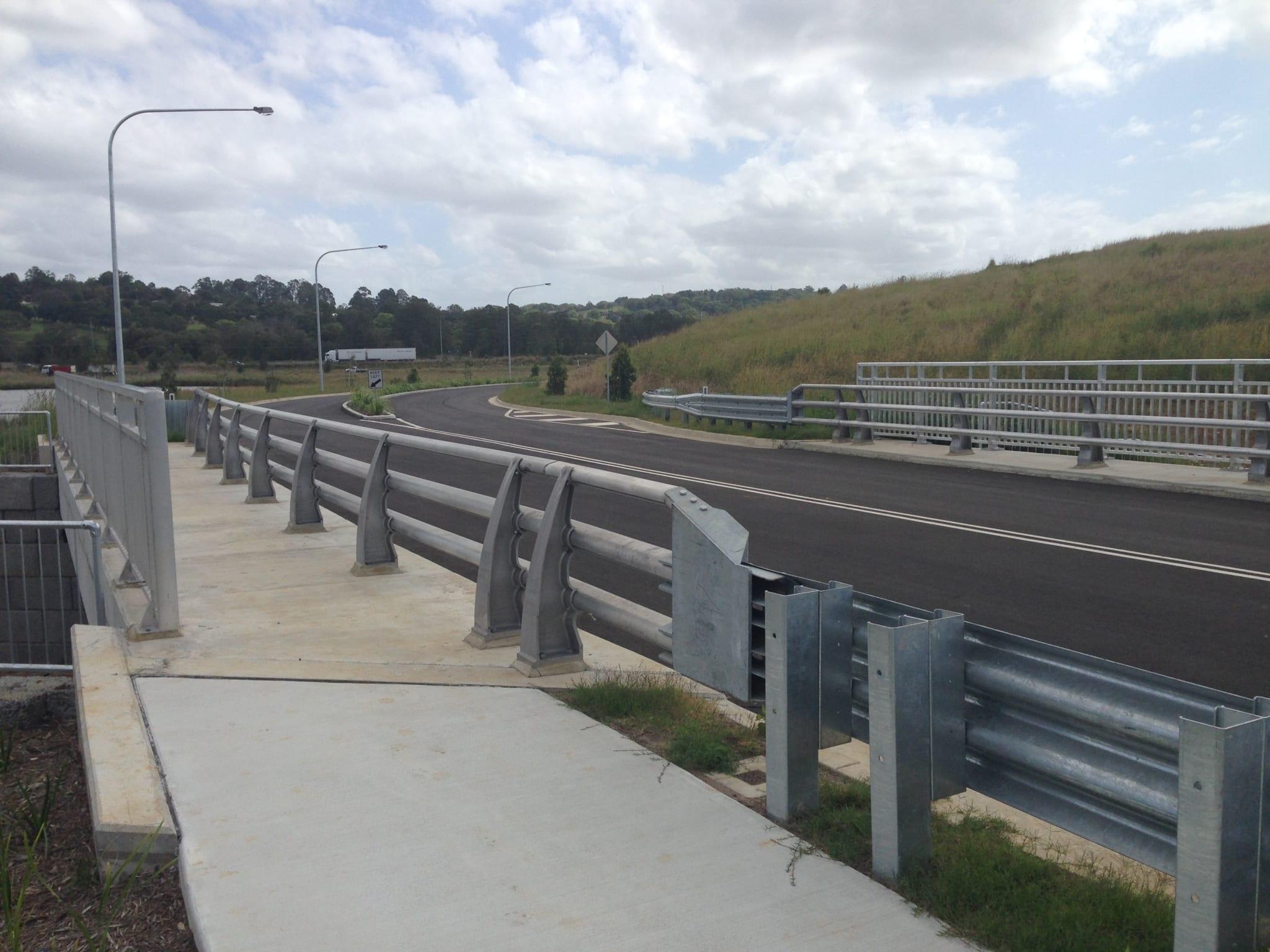 aluminium construction bridge barrier