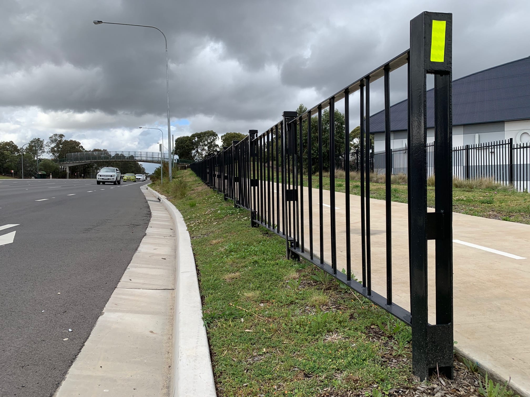 rms pedestrian fencing installation at narellan road